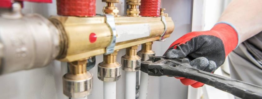 benefits to becoming a plumber
